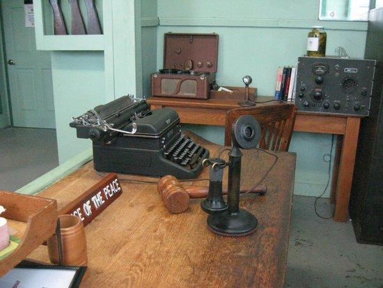 Wally's Service Station: desk replica