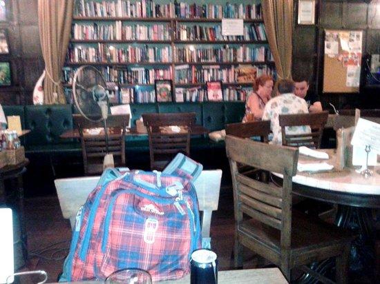 Ye Olde Buffalo Tavern: Nice atmosphere
