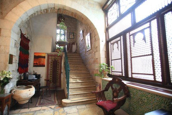 Jerusalem Hotel: stairs to second floor