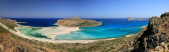 Balos Beach and Lagoon: The main view while approaching 10:00 AM