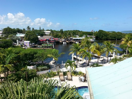 MB at Key Largo : Hotel grounds from second floor