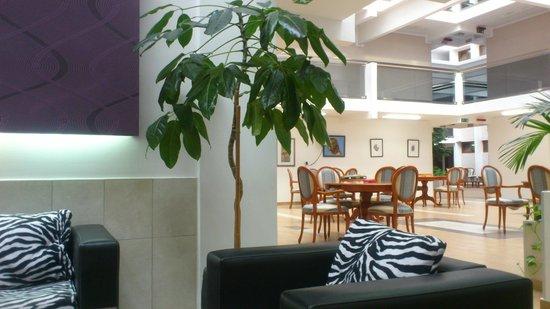 Hotel Tara : Место отдыха у ресепшен