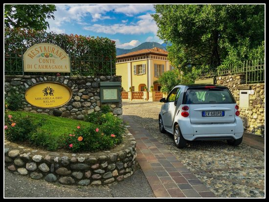 Romantik Hotel Relais Mirabella Iseo : The gate