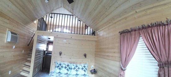 Snake River Park KOA and Cabin Village: Deluxe cabin sul fiume