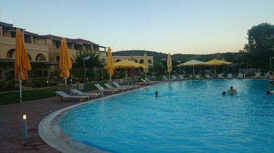 Aktaion Resort: Πισίνα