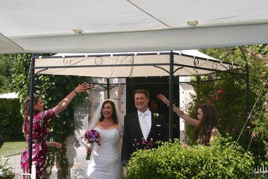 Chateau de Fayolle: Happy Newlyweds!