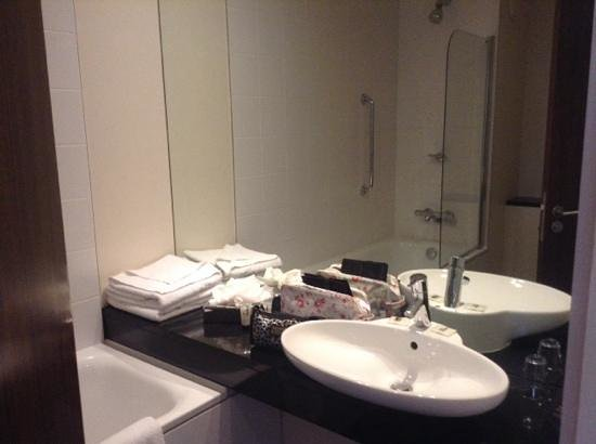 The d Hotel Drogheda: spacious vanity