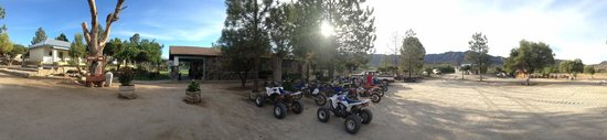 Meling Ranch: Panorama of the cafeteria and grounds.
