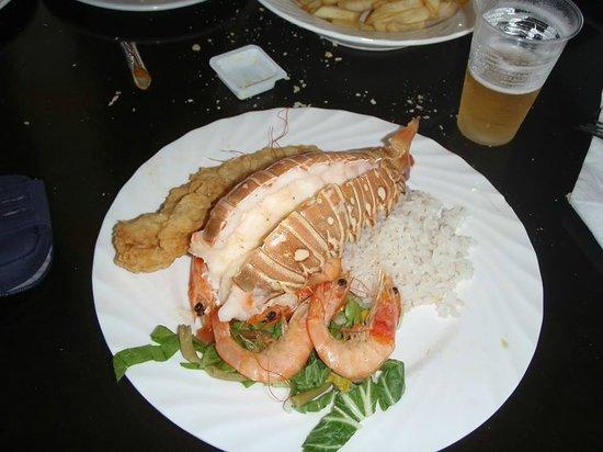 Hotel Playa Cayo Santa Maria: Diner l'langouste (excursion d'dauphin)