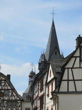 Mittelalterlicher Marktplatz: Towers