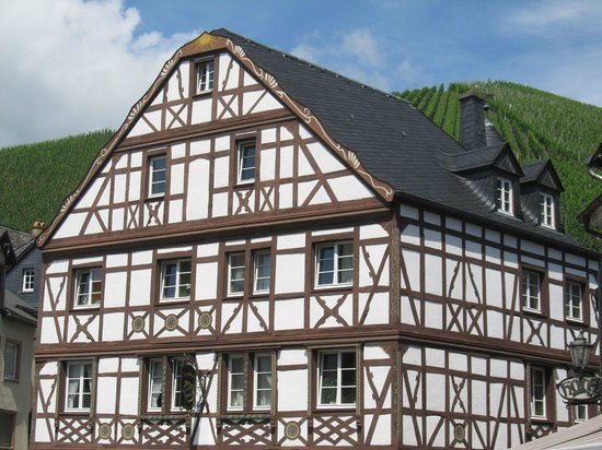 Mittelalterlicher Marktplatz: 1/2 timbered house