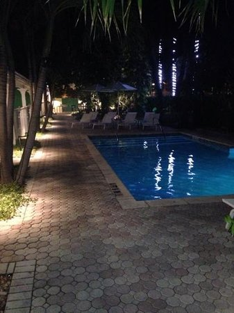 Almond Tree Inn: the pool area
