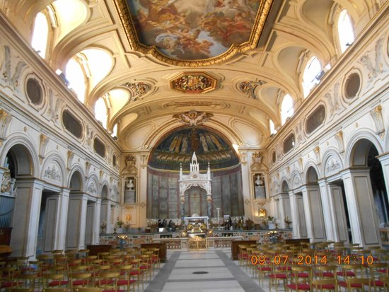 Santa Maria in Trastevere: seen from the inside