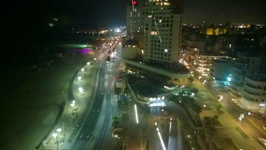 Park Plaza Orchid Tel Aviv: Night view from 16th floor