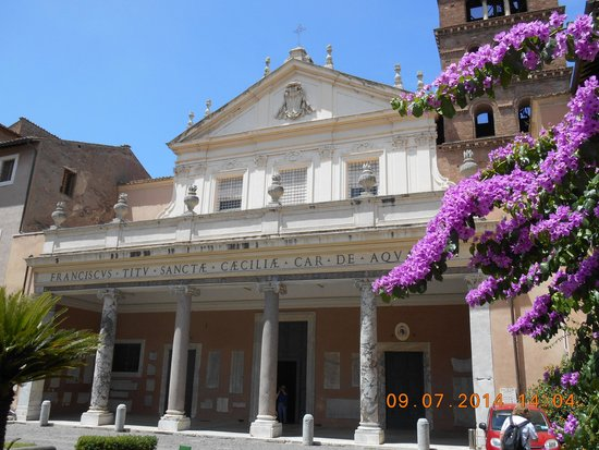 Santa Maria in Trastevere: seen from the outside