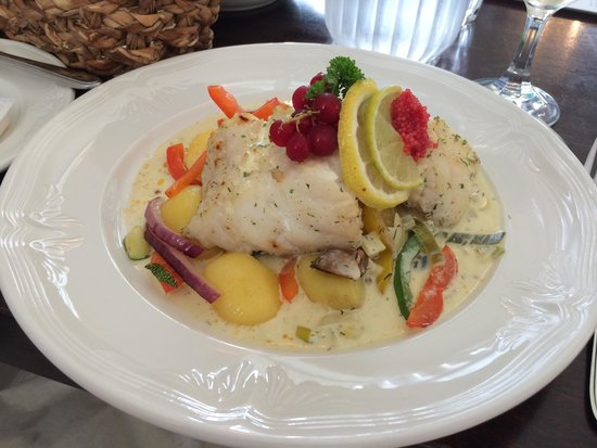 The Settlement Center Restaurant: Roast ling fish with caviar and cream sauce
