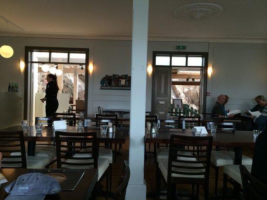The Settlement Center Restaurant: Interior