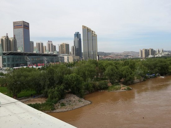 Crowne Plaza Lanzhou : Crown Plaza from the new bridge near by