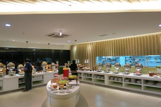 ibis Styles Kuala Lumpur Fraser Business Park : Breakfast room