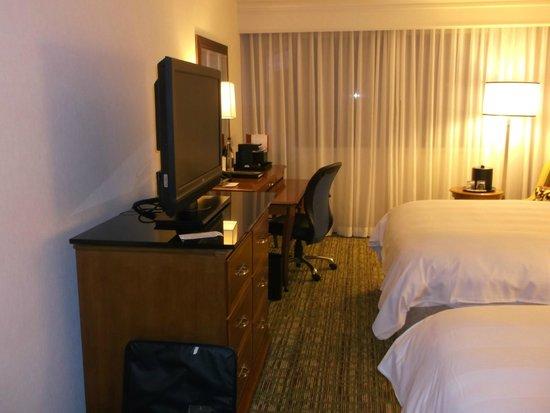 Boston Marriott Copley Place : room