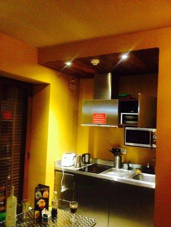 Lisbon Short Stay Apartments Baixa : Kitchen