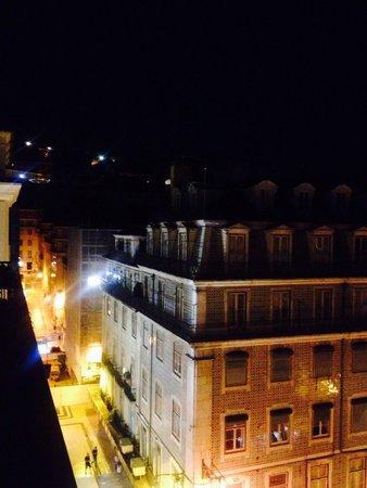 Lisbon Short Stay Apartments Baixa : Night view from balcony