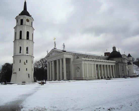 Cathedral (Arkikatedra Bazilika): Cattedrale (Arkikatedra Bazilika)