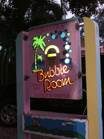 The Bubble Room Restaurant : Outside sign