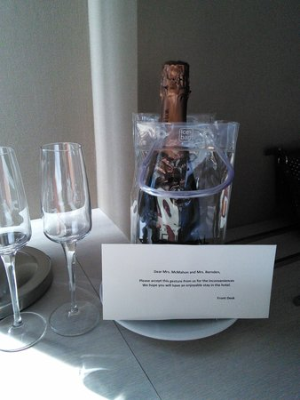Grand Hotel Central: complementary cava