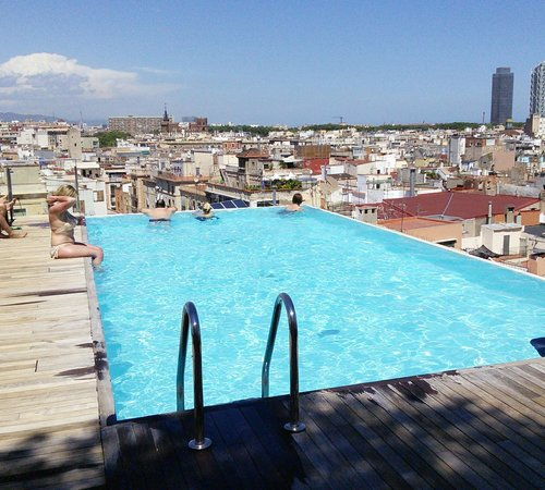 Grand Hotel Central: hotel rooftop pool