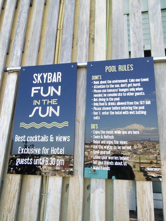 Grand Hotel Central: pool rules