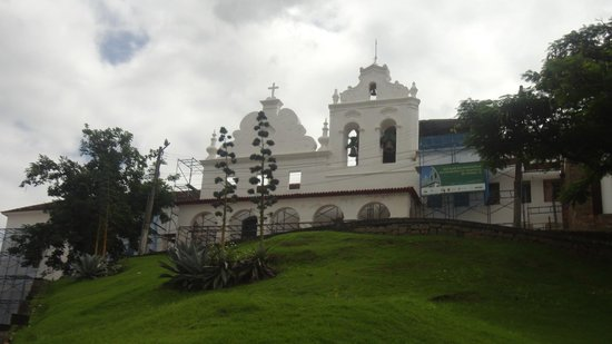 Convento Sao Francisco : O lindo Convento São Francisco, na época, em obras de restauração.