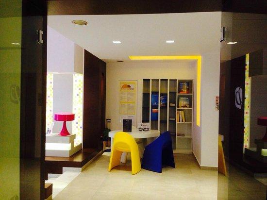 Smartline Philippion Hotel: Уголок туриста