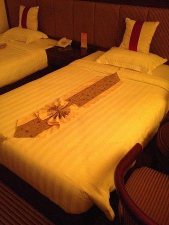 Al Batra Hotel: Cama