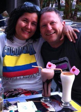 Heladeria Cafeteria Gelatolina : Disfrutando de una tarde de fútbol y saboreando nuestros batidos
