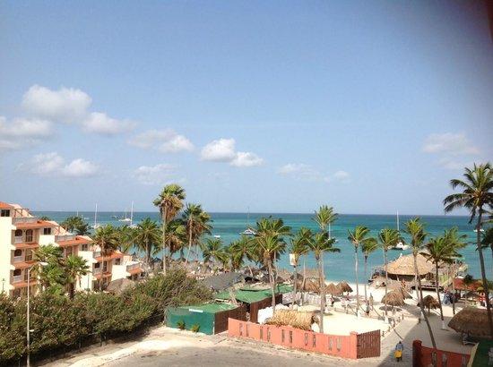 Holiday Inn Resort Aruba - Beach Resort & Casino: Hol Inn - Partial water view from room