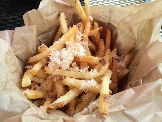 Healdsburg Bar & Grill: Truffle Fries
