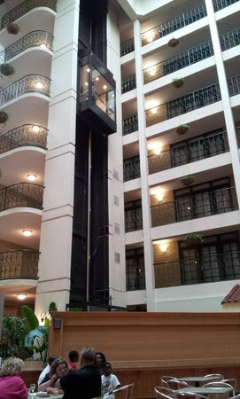 Embassy Suites by Hilton Chicago - Schaumburg/Woodfield: Hotel View 1