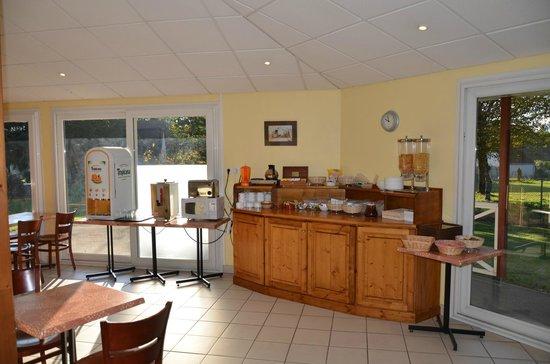Mape Hôtel : salle des petits déjeuner