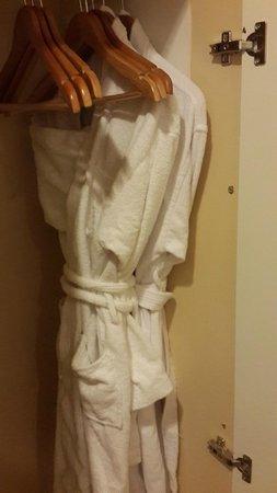 Voyage Belek Golf & Spa : махровые халаты
