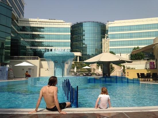 Copthorne Airport Hotel Dubai: Pool