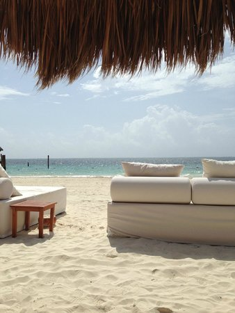 Excellence Riviera Cancun: A view of the Caribbean from the beach