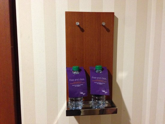 Four Points by Sheraton Ontario-Rancho Cucamonga: Water