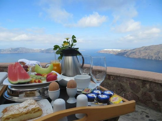 Anastasis Apartments: Priceless view for breakfast