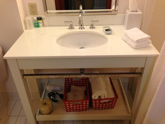 Four Points by Sheraton Ontario-Rancho Cucamonga : Sink