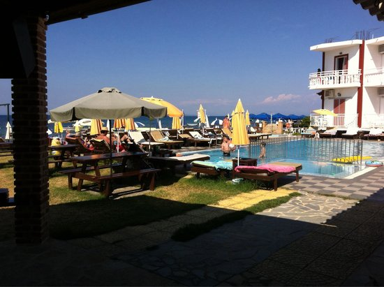 Remezzo Beach Bar: Best beach bar