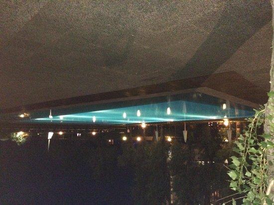 Grand Hotel Berti: La piscina di notte