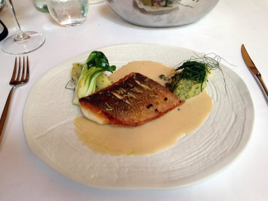 Bellevue : sea bass with caper sauce