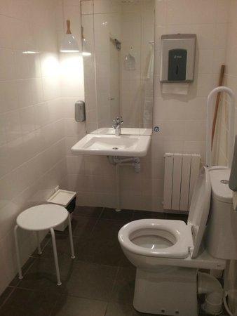 SLO Living Hostel : Cuarto de Baño