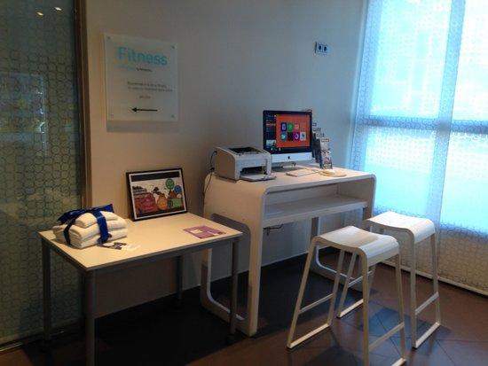 Novotel Suites Malaga Centro: Internet Corner
